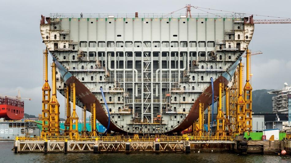 navio coreano a diesel